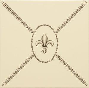 Фото  Cartouche With Fabergé Fleur De Lis